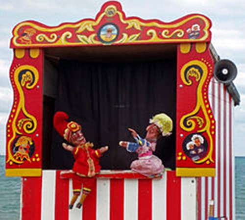 Swanage_Punch_&_Judy.jpg